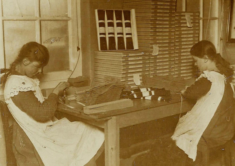 Packing gloves Rosie Birch