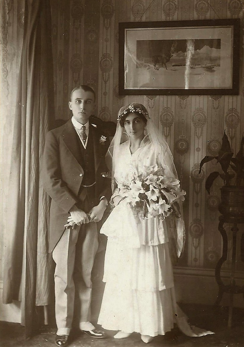 LeslieElsie wedding 1915