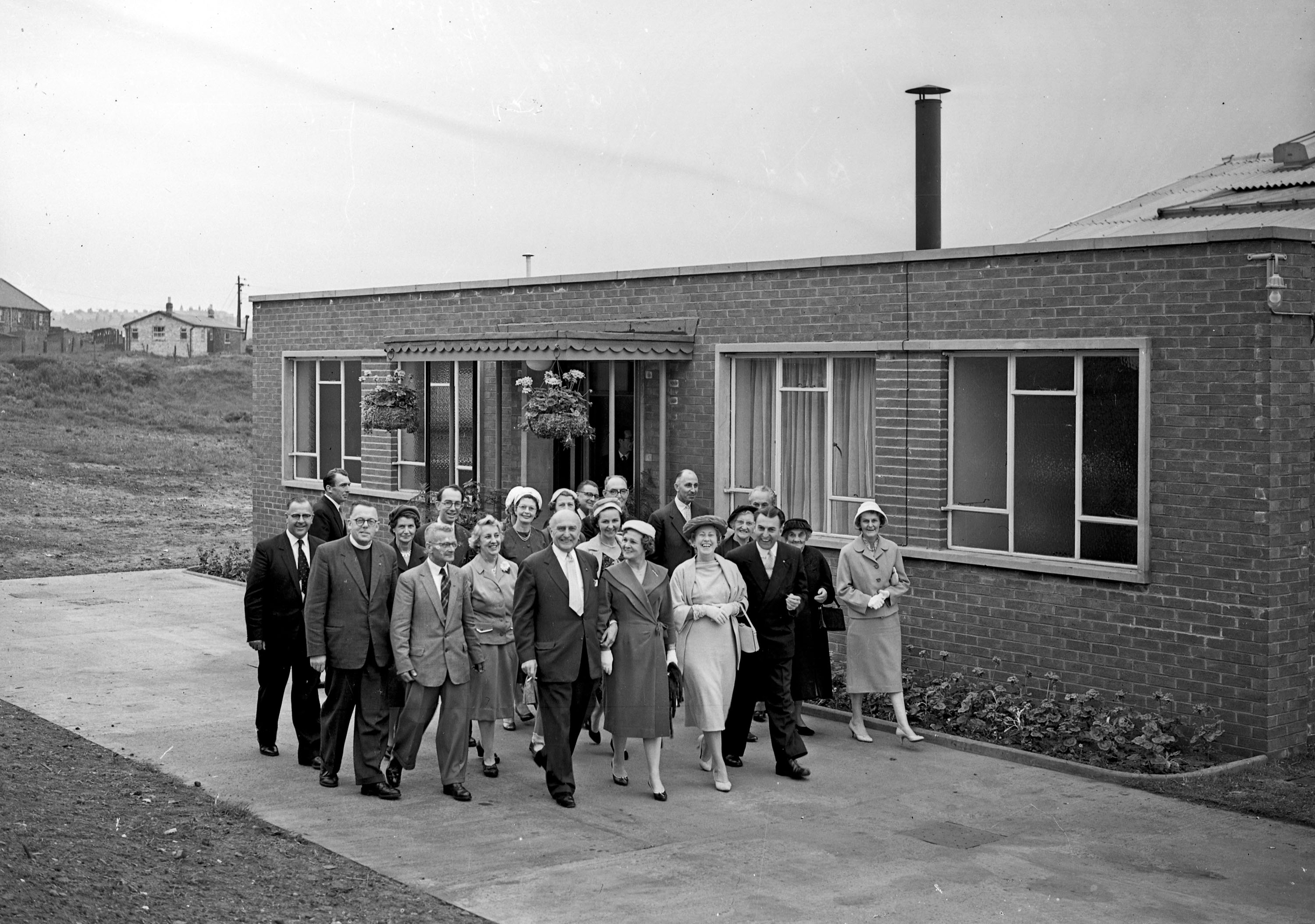 13. 1959 June 18th Opening Glove factory (2)