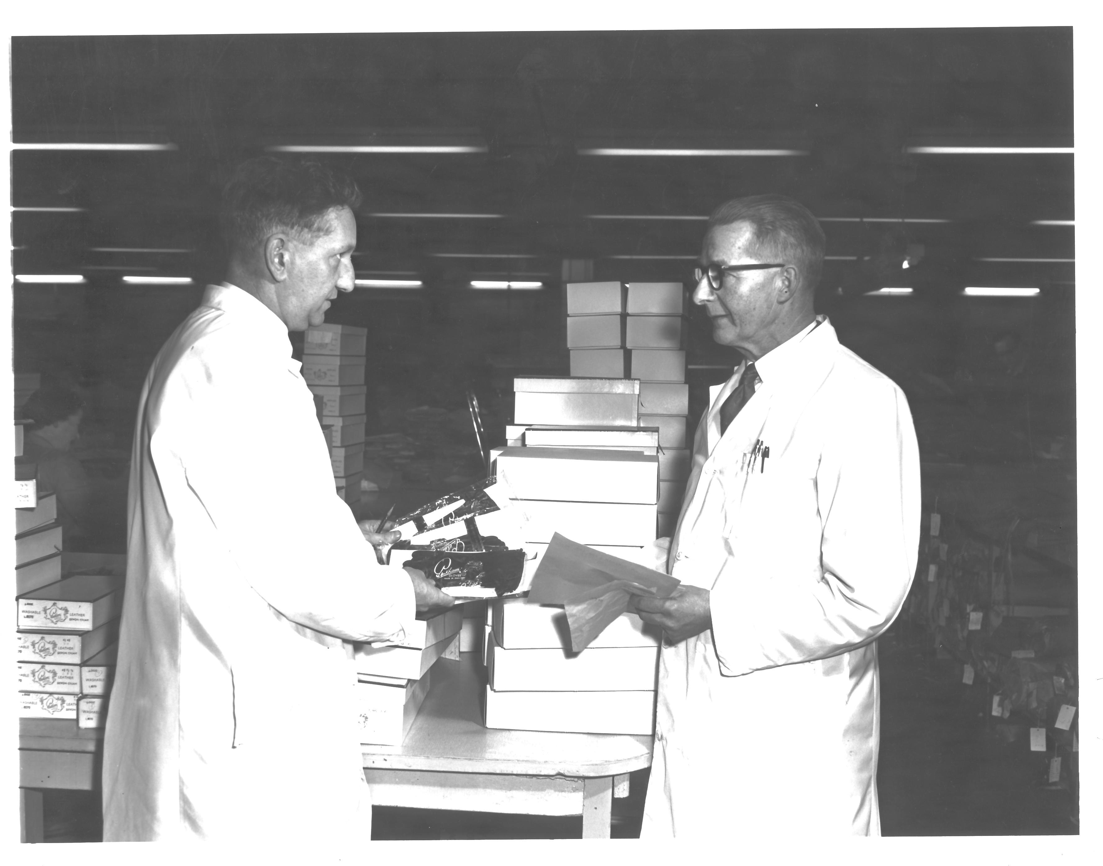 m0423-Herbert-Keeble-rt-and-John-Scott-and-Pinkhams-glove-factory